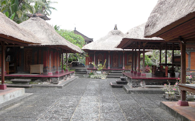 Visit-Balinese-Houses
