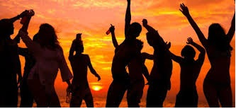Sunset-beach-party-at-Ibiza