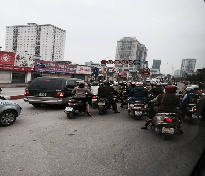Two-Wheeler-Traffic-in-Hanoi-City