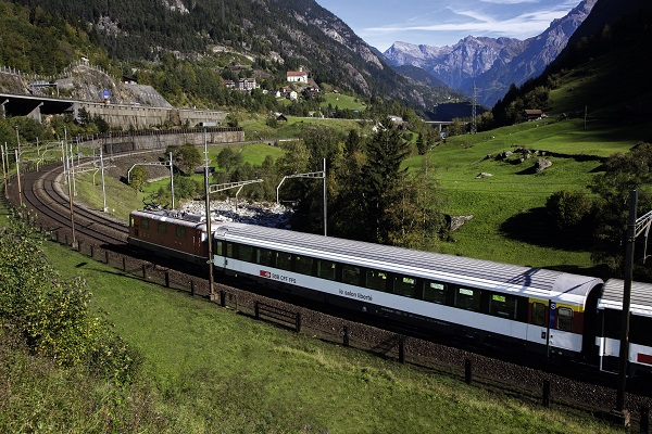 Wilhelm-Tell-Express-Train-Switzerland