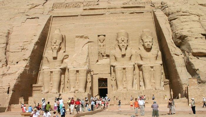 rsz_s_f-e-cameron_egypt_2005_apr_00361