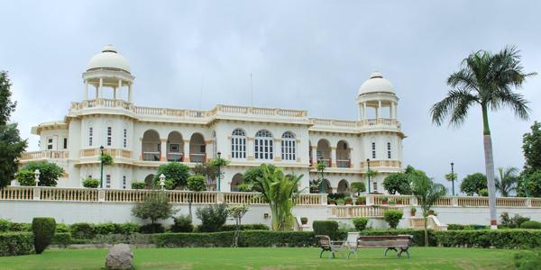 Luxurious Resorts near Ahmedabad